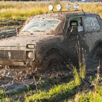 lada-niva-4x4-off-road
